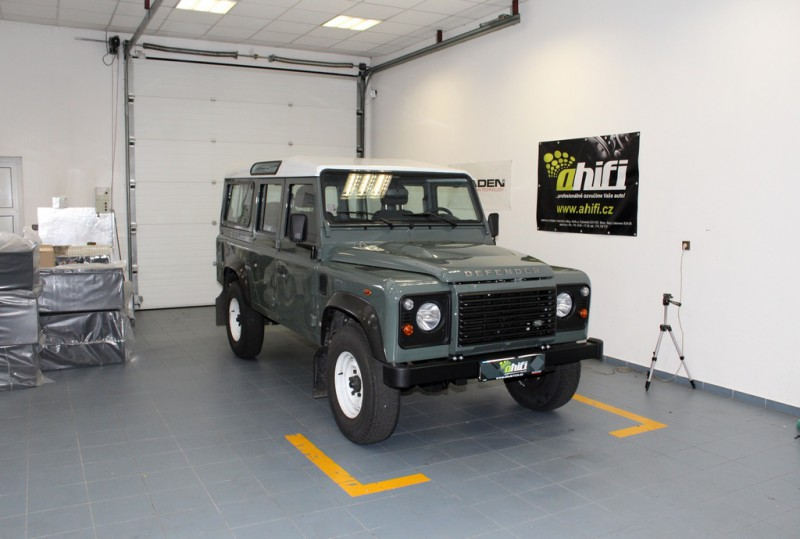 Land Rover Defender 2015
