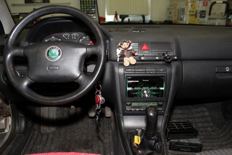 Škoda Octavia 1 - montáž 2DIN autorádia - Ahifi.cz
