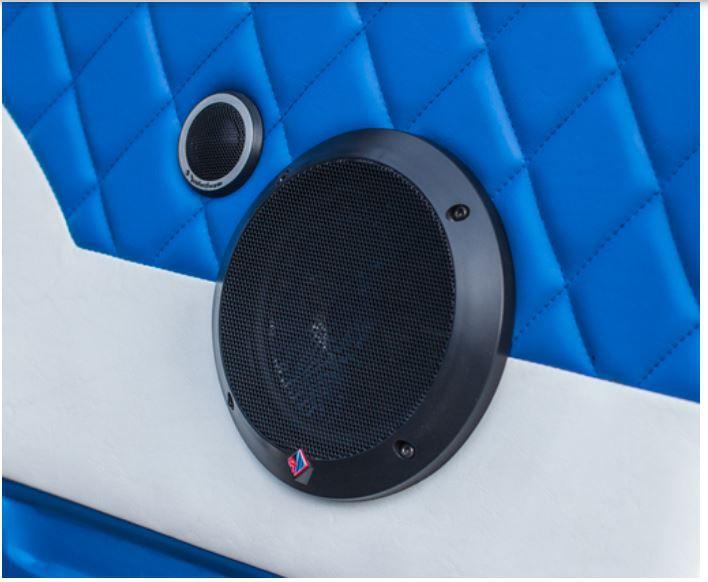 aktivn subwoofer se zesilova em focal ibus 2 1. Black Bedroom Furniture Sets. Home Design Ideas